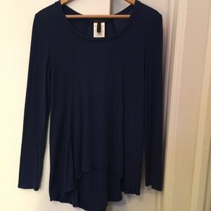 BCBG Max Azria Size S top with a beautiful drape